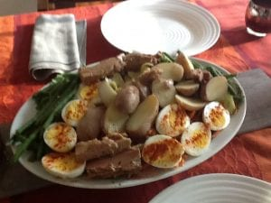 nicoise with green beans and tuna